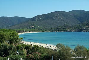 Marina di Campo: the beach